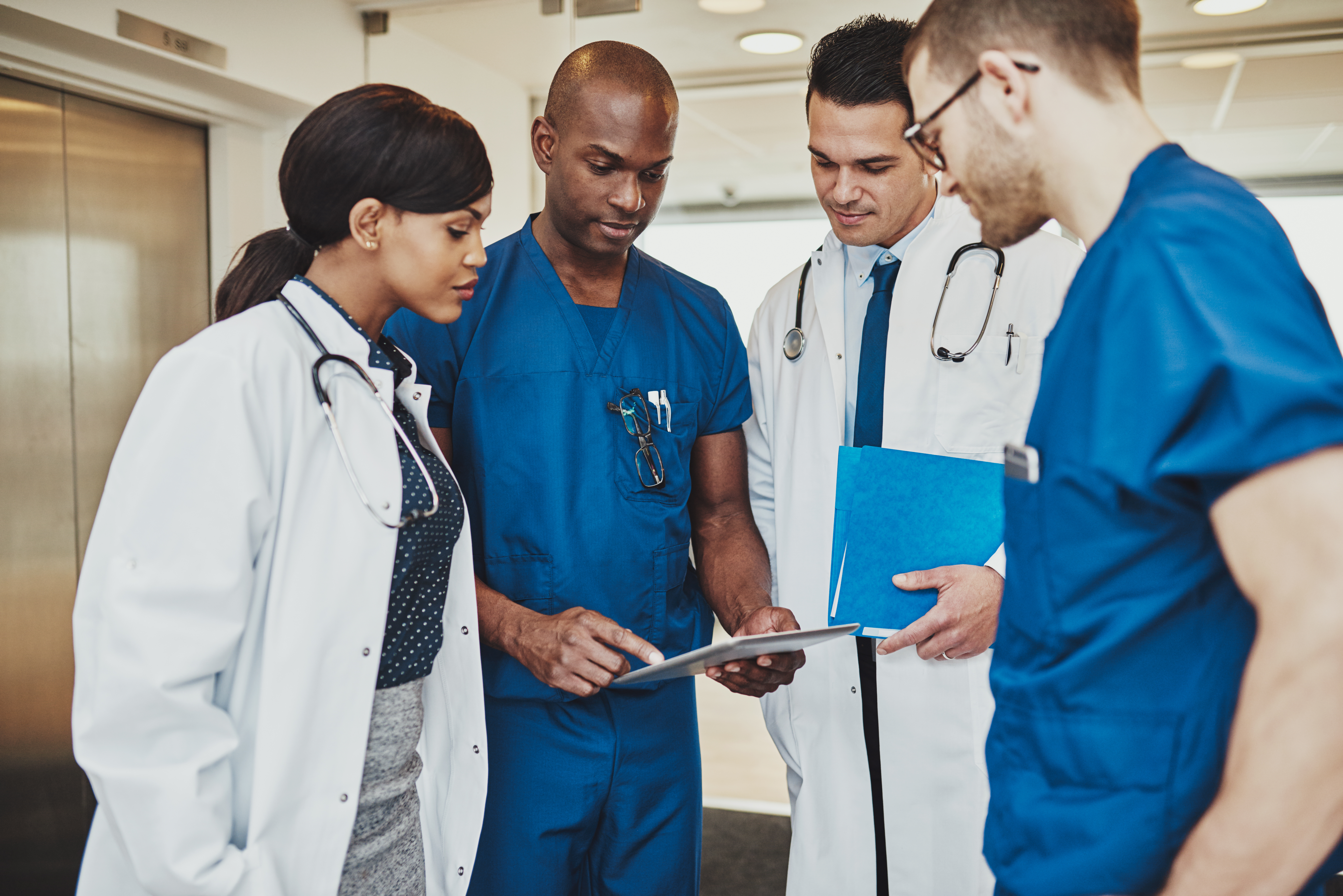 new study finds pay gaps in physician income by race gender usc